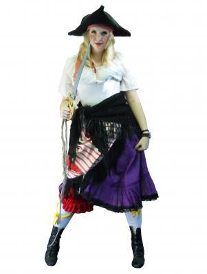c529-pirate-gal